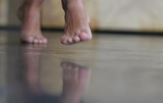 voeten dans 2 verkleind